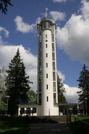 Wieża widokowa na szcycie najwyższej góry Estonii - Suur Munamagi.