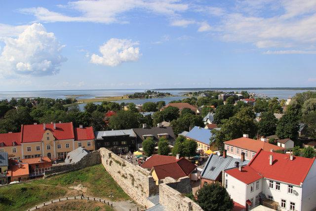 Panorama Haapsalu z wieży zamku.